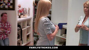 يأخذها على طاولة زوجة الأب من أجل اللعنة الجيدة