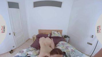 Virtual Taboo هذه الشابة متمردة لدرجة أنها تريد أن تمارس الجنس فقط في المؤخرة