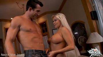 Nikita Von James في شقيقة في القانون مع الحمار وممتلئ الجسم مارس الجنس